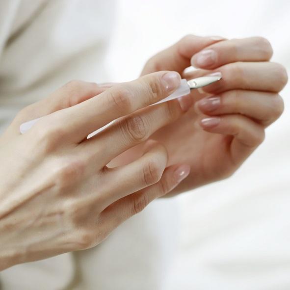 Jak dbać o skórki paznokci?